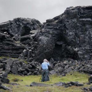 Bandaríski landslagsljósmyndarinn Stephen Johnson að störfum í Katlahrauni.